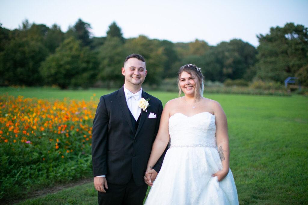 bride and groom at botanical garden
